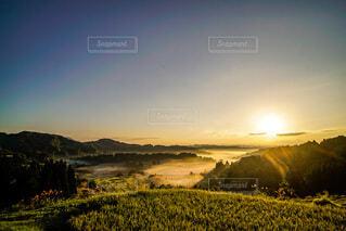 雲海に射す朝陽☀️の写真・画像素材[4851886]