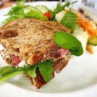 食べ物,食事,ランチ,白,フード,パン,野菜,皿,サンドイッチ,レシピ,ファストフード,お昼ご飯,飲食,物