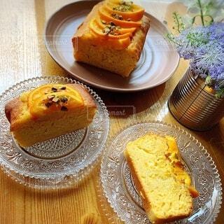 焼きたてオレンジのパウンドケーキの写真・画像素材[4862130]