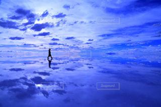 ウユニ塩湖の写真・画像素材[1196411]