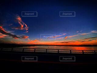 沈む夕日の写真・画像素材[4873782]