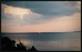 沈む夕日の写真・画像素材[4867920]