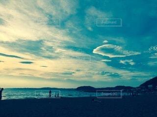 晴れた日の午後の海辺の写真・画像素材[4871565]