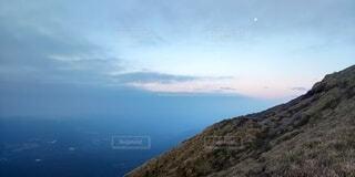 自然,風景,空,白,青空,青,山,月,稜線,コントラスト