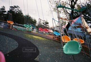 レトロな遊園地の遊具の写真・画像素材[4907267]