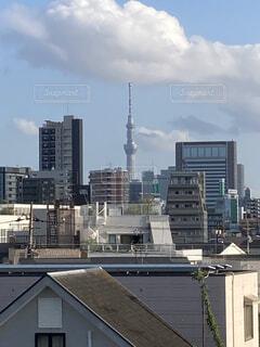 空と建物の写真・画像素材[4866835]