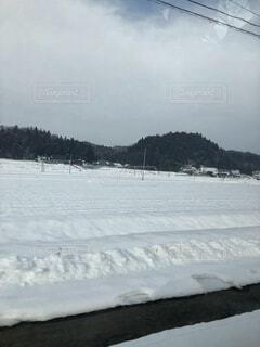 真冬の東北の田舎の写真・画像素材[4874042]