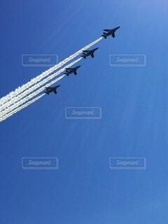 ブルーインパルスの航空ショーの写真・画像素材[4876835]