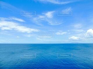 一面に海と空の写真・画像素材[4871421]