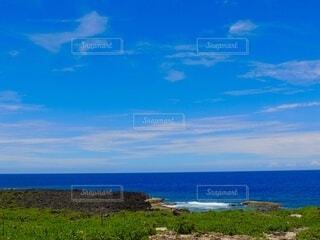 青すぎる海の写真・画像素材[4871423]