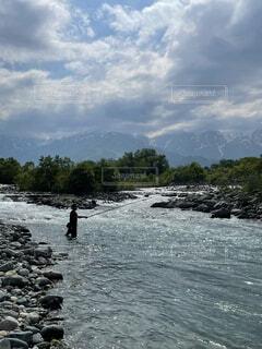 渓流釣りの写真・画像素材[4874258]