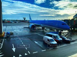 飛行機と空の写真・画像素材[4870358]