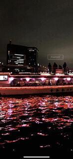 夜,屋外,ボート,船,水面,都会,高層ビル,明るい,水上バイク