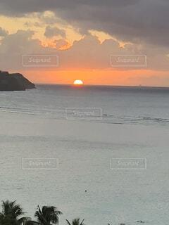 沈む夕日の写真・画像素材[4873534]