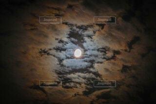 自然,風景,空,夜空,雲,暗い,光,月,もやもや