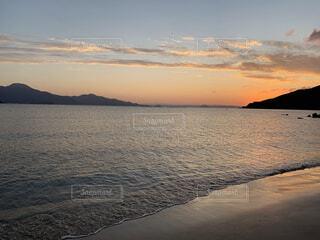 海と夕日の写真・画像素材[4873869]