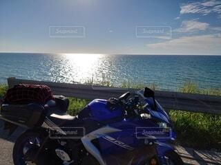 海とバイクの写真・画像素材[4878280]