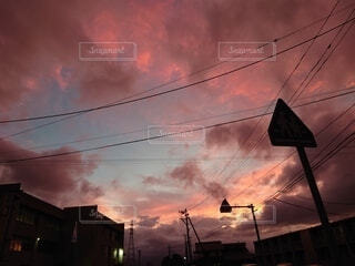 今日日街の夕暮れの写真・画像素材[4881497]