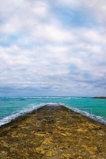 沖縄の海と空の写真・画像素材[4880391]
