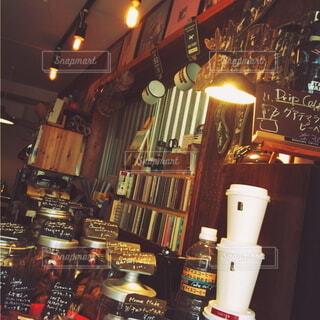 カフェ,コーヒー好き,コーヒー,食事,ランチ,屋内,かわいい,きれい,屋台,小物,古い,キャンドル,オシャレ,写真,ボトル,雑貨,バー,明るい,コーヒー豆,vintage,ヴィンテージ,ビンテージ,古着屋,非日常,パワー,雑然,テキスト,映え,写真映え