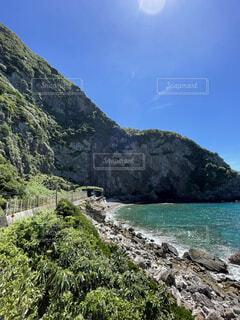 崖と海の写真・画像素材[4882376]