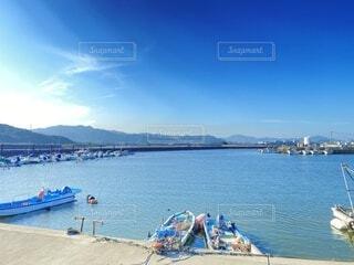 海,空,屋外,湖,ビーチ,雲,ボート,青,幻想的,船,水面,海岸,山,港,水上バイク
