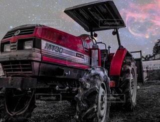 屋外,かっこいい,車,エンジン,農業,トラクター,廃車,破損,車両,ホイール,農機,自動車部品,陸上車両