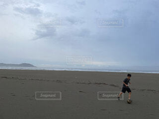 自然,海,空,屋外,砂,ビーチ,雲,海岸,少年