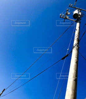 空,屋外,晴れ,電柱,電線,電信柱,秋の空,雲ひとつない,晴れた空