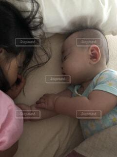 子ども,屋内,寝顔,人物,人,布団,赤ちゃん,朝,乳幼児,人間の顔