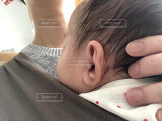 屋内,女の子,人物,人,赤ちゃん,0歳,乳児,耳