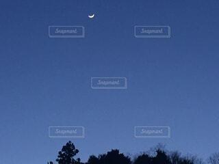 自然,風景,空,夏,青,水色,月,三日月,淡い,あわい