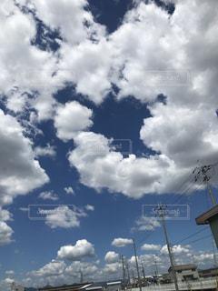 いつもの空が華やいだの写真・画像素材[1355330]