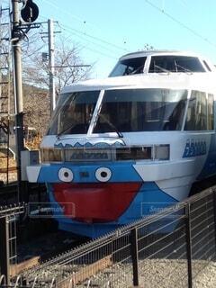 空,屋外,ボート,船,鉄道,車両,陸上車両