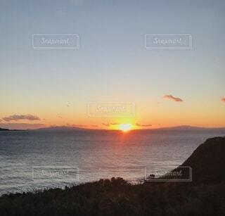 自然,海,空,鳥,屋外,太陽,ビーチ,雲,夕暮れ,水面,日の出