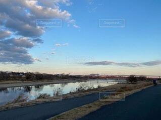 自然,風景,空,屋外,湖,ビーチ,雲,青空,水面,草,樹木,河川敷,多摩川,冬空