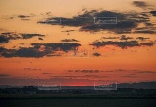 北海道に沈む夕陽の写真・画像素材[4896249]