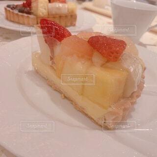 食べ物,風景,ケーキ,デザート,テーブル,皿,チーズ,料理,誕生日ケーキ,菓子,イチゴ,酪農,物,ペストリー