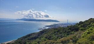 山と海と向こうの島の写真・画像素材[4905545]