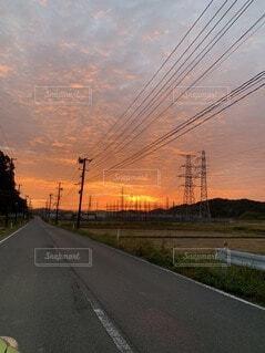 空,屋外,雲,夕暮れ,道路,樹木,道,通り