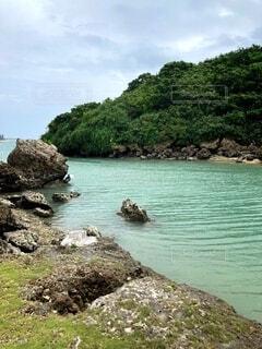 自然,風景,海,森林,木,屋外,湖,ビーチ,雲,青空,島,水面,海岸,山,草,岩,エメラルドグリーン,水域,海洋地形