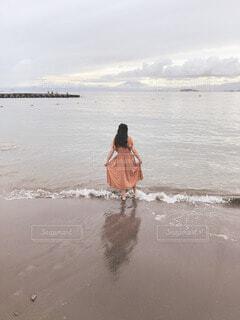 女性,自然,風景,空,富士山,屋外,ビーチ,砂浜,水面,海岸,人物,人