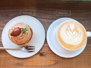 食べ物,コーヒー,朝食,デザート,テーブル,スプーン,皿,食器,カップ,木目,調理器具,コーヒー カップ,受け皿