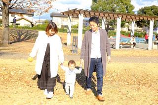家族の写真・画像素材[585142]