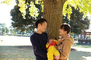 家族の写真・画像素材[585144]