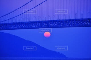 空,屋外,夕暮れ,水面,オレンジ,月,吊り橋,明石海峡大橋,蒼