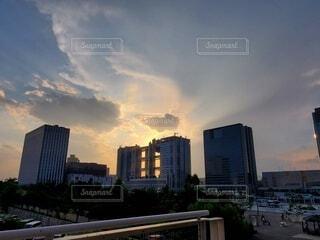 空,建物,屋外,雲,タワー,都会,高層ビル,ダウンタウン