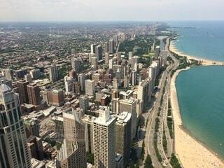 空,建物,屋外,水面,山,タワー,都会,高層ビル,航空写真,空中,ダウンタウン,スカイライン