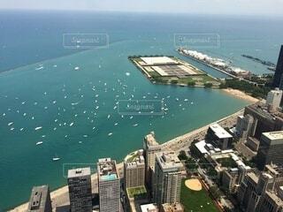 海,空,屋外,湖,ビーチ,船,水面,高層ビル,空中