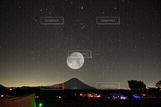 富士満月の写真・画像素材[4912880]